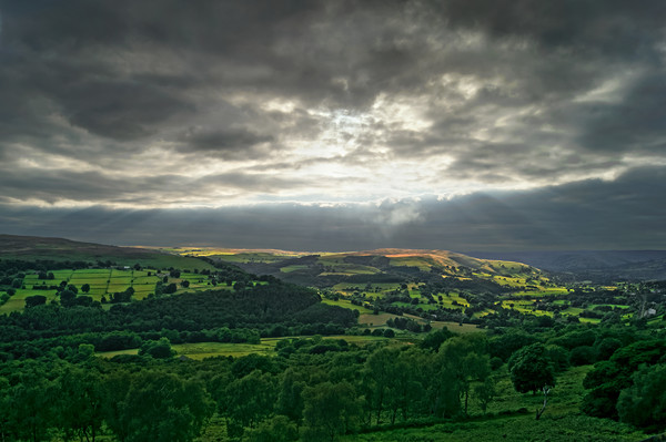 Hope Valley Light Rays                        Canvas print by Darren Galpin