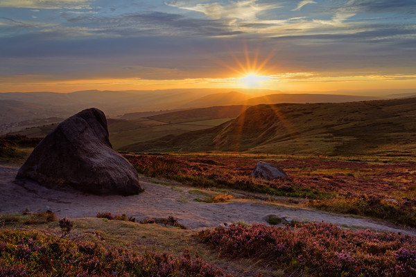 Higger Tor Sunset                                Canvas print by Darren Galpin
