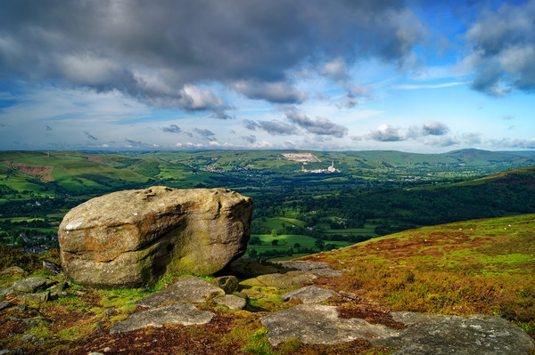 Hope Valley from Bamford Edge                      Canvas print by Darren Galpin