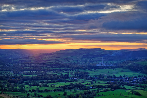 Sunrise across the Hope Valley                     Canvas print by Darren Galpin