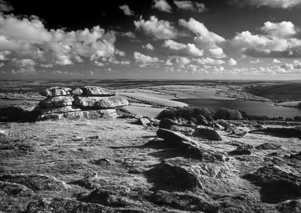 Tregarrick Tor looking towards Siblyback Reservoir Canvas Print by Darren Galpin