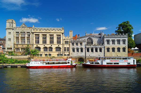 York Guildhall & River Ouse                        Canvas Print by Darren Galpin