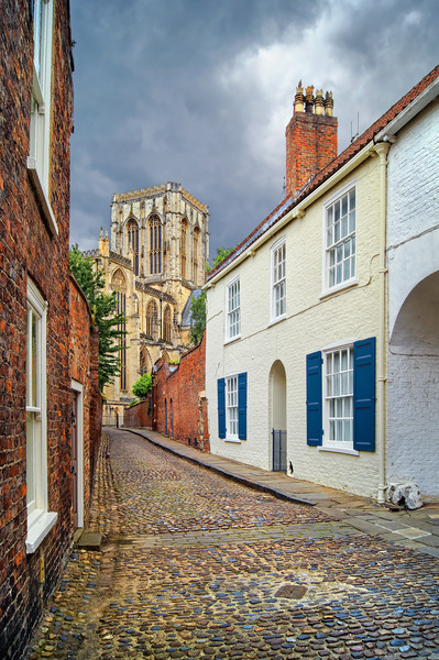 Chapter House Street and York Minster              Canvas Print by Darren Galpin