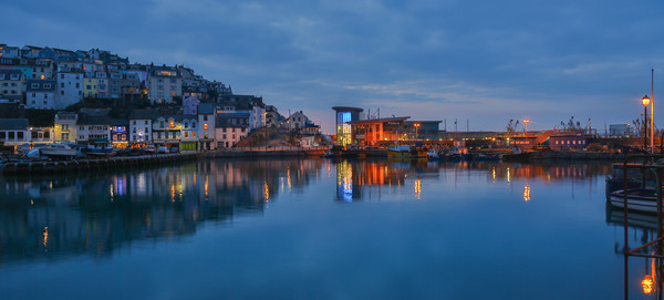 brixham harbour  and fish market Canvas Print by kevin murch
