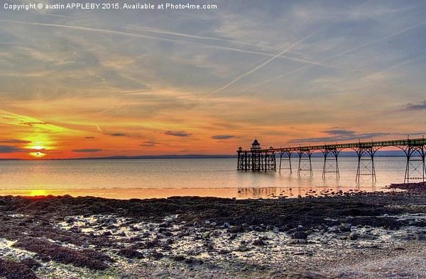 Clevedon Pier Beach At Sunset Canvas print by austin APPLEBY