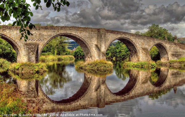 Stirling Old Bridge Reflections Canvas print by austin APPLEBY
